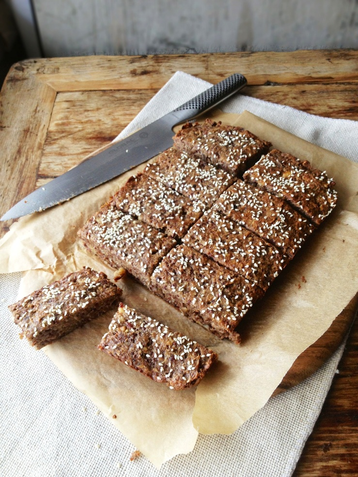 Date and Nut protein slice